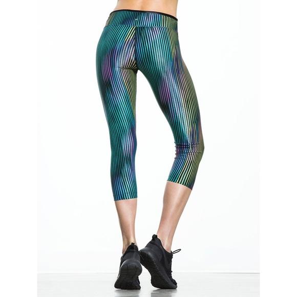 01636448303e9 Koral Pants | Mystic Capri Leggings | Poshmark